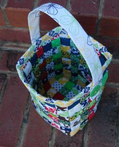 DIY. Fabric basket. Should make this for all my knitting and crochet supplies... I NEED ABOUT 874089123653 OF THESE!