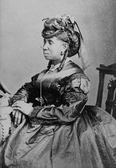 Victorian Women of Color: 32 Photos of Beauty In The Age Of Hatred - Flashbak Source by aylaray women clothes Native American History, African American History, American Symbols, American Indians, Victorian Women, Victorian Fashion, Victorian Era, Vintage Fashion, Vintage Photographs