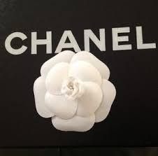 9a276c0668a 21 meilleures images du tableau Chanel camélia en 2019