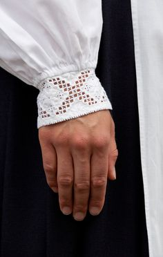 Norsk Hardanger Embroidery on the cuff of a Bunad Blouse / Folklore Fashion –… Types Of Embroidery, Embroidery Patterns, Floral Embroidery, Hardanger Embroidery, Cross Stitch Embroidery, Scandinavian Embroidery, Norwegian Style, Drawn Thread, Cut Work