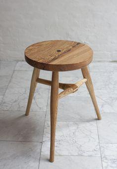 Aaron Scaturro Diy Stool, Bench Stool, Wood Stool, Wooden Furniture, Cool Furniture, Furniture Design, Scandinavian Chairs, Muebles Art Deco, Milking Stool