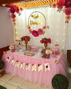 73 Cute Baby Shower Themes and Decorating Ideas for Girls « Dreamsscape Deco Baby Shower, Baby Girl Shower Themes, Girl Baby Shower Decorations, Baby Shower Princess, Birthday Party Decorations, Baby Shower Parties, Baby Boy Shower, Bridal Shower, Wedding Decorations
