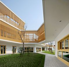 Image 9 of 36 from gallery of East China Normal University Affiliated Bilingual Kindergarten / Scenic Architecture Office. Courtesy of Scenic Architecture Office Kindergarten Architecture, Classroom Architecture, Kindergarten Design, Kindergarten Lesson Plans, Education Architecture, University Architecture, Kindergarten Writing, Conceptual Model Architecture, China Architecture