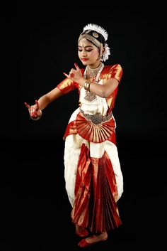 Naveen Thota Photography | Neha - SKDC 2017 Dance Images, Dance Pictures, Painting Digital, Dark Portrait, Indian Classical Dance, Ballet Art, Indian Folk Art, Dance Poses, Beautiful Girl Photo
