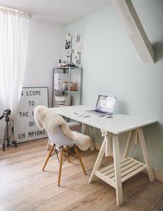 Delen Tweet + 1 E-mailen Samen met haar man woont Nienke van Denderen in een knus appartementje in Utrecht. Nienke is fotografe en fotografeert ...