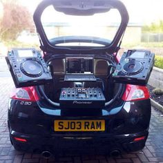 """There are just so many things wrong about this. And """"they"""" think texting in the car is a bad idea?.... - Pioneer CDJ-2000 Pro DJ Multi Player"""