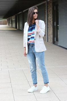 We love this effortlessly chic look, complete with platform sneaks!
