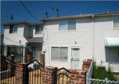 Daily Sold Home is 38 Thelma Court. This one family attached home has two bedrooms and one bathroom. The Clifton residential bungalow was sold for $129,000! http://www.realestatesiny.com/ #RealEstateSINY #StatenIsland #NewYork #DailySoldHome #RealEstate #Sold #Clifton