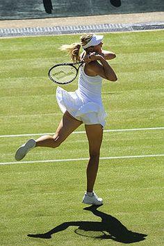 70 photos of María Sharapova (Entrá y disfrutá) Tennis Wear, Sport Tennis, Tennis Uniforms, Miss And Ms, Maria Sharapova Photos, Yuri, Tennis Players Female, Tennis Fashion, Tennis Clothes