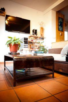 Mesa envejecida de madera y hierro (100 x 70 x 40 cm)  #Arte, #madera,  #muebles diseño #artesano. #Art, #metal , #wood , #furniture