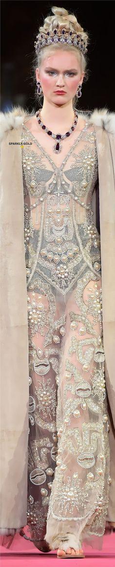 Baby Couture, Haute Couture Fashion, Domenico Dolce & Stefano Gabbana, Winter Bride, Fashion 2020, Women's Fashion, Ivory Pearl, Headdress, Fashion Design