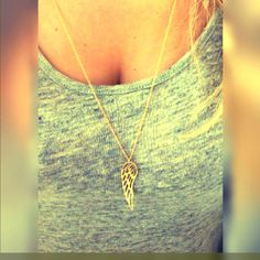 a fashionable gold necklace 14k