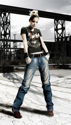Anna Tsuchiya White Shirt And Blue Jeans, Tomboy Look, Music Artists, Casual Chic, Anna, Hipster, Street Style, Portrait, My Style