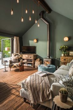 The Sanctuary offers a delightful forested retreat in Hampshire