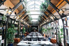 Eberly, Austin, TX-The World's Most Gorgeous Glass Restaurants - Architectural Digest Rooftop Brunch, Rooftop Terrace, Glass Restaurant, Restaurant Design, Greens Restaurant, Restaurant Ideas, San Antonio, Austin Brunch, Hotel Four Seasons