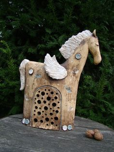 Svícen ... Pegas Horse Sculpture, Animal Sculptures, Ceramic Figures, Ceramic Art, Clay Animals, Animals And Pets, Pottery Animals, Ceramic Angels, Clay Art