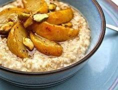 Brown butter toasted steel cut oatmeal with vanilla bean roasted pears ~ Love steel cut oats.this sounds yummy! Oatmeal Toppings, Oatmeal Recipes, Cooking Oatmeal, What's For Breakfast, Breakfast Recipes, Oatmeal Scones, Peach Oatmeal, Toasted Oats, Roasted Pear