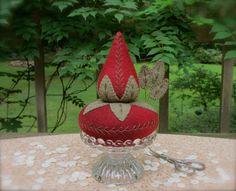Primitive Hand Dyed Wool Strawberry Emery+Tuffet Pincushion~Pinkeep Make-Do+Pins