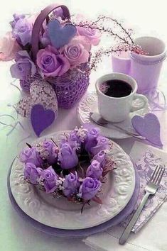 Jst a purple breakfast Good Morning Coffee, Good Morning Good Night, Coffee Break, Sunday Coffee, Coffee Vs Tea, Coffee Cafe, Mini Desserts, Good Morning Greetings, All Things Purple