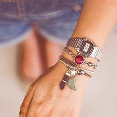 59ec1d5ee22 As mais novas pulseiras com o relógio Casio vintage prateado e preto!