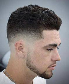 28 Low Skin Fade Haircut Ideas - Find Your Style Trendy Mens Haircuts, Popular Haircuts, Men's Haircuts, Modern Haircuts, Medium Hair Styles, Short Hair Styles, Hair And Beard Styles, Undercut Hairstyles, Cool Hairstyles