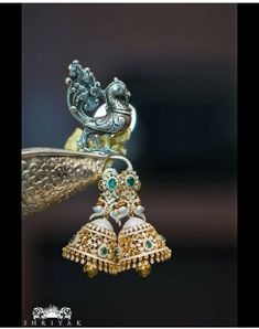 Jewerly necklace diamond brooches for 2019 Diamond Earrings Indian, Diamond Jhumkas, Gold Jhumka Earrings, Gold Earrings Designs, Gold Jewellery Design, Bridal Earrings, Silver Jewellery, Tanishq Jewellery, Diamond Choker