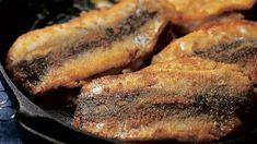 Aromikkaat silakkapihvit - Yhteishyvä Steak, Pork, Food And Drink, Recipes, Kale Stir Fry, Steaks, Ripped Recipes, Pork Chops