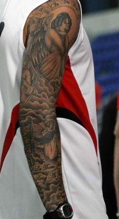 David Beckham e suas tatuagens - Tattoo. Cloud Tattoo Sleeve, Angel Sleeve Tattoo, Forearm Sleeve Tattoos, Full Sleeve Tattoos, Tattoo Sleeve Designs, Tattoo Designs Men, Angel Tattoo Men, Cloud Tattoos, Angels Tattoo