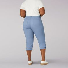 Nothing beats the comfort and style of a Lee capri. Made with modern women in mind, this cargo capri features a mid rise, relaxed fit, and Flex-to-Go waistband. Oversized front pockets, utility side pockets, and a lightweight, breathable fabric allow you to move in comfort while a wide variety of colors means there?s a go-to style for everyone. Whether you?re always on the go or just looking for a classic, everyday style, our Flex-to-Go Cargo capri has you covered. 98% Cotton/2% Spandex… Womens Capri Pants, Modern Women, Everyday Fashion, Beats, Casual Outfits, Plus Size, Spandex, Pockets, Colors