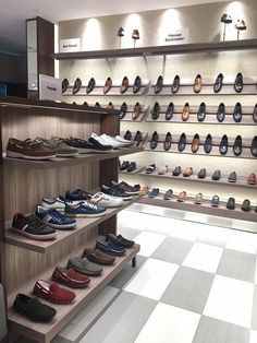 shoes decor Shoe Store Design, Retail Store Design, Shoe Shop, Boutique Interior, Showroom Design, Shop Interior Design, Clothing Displays, Shoe Display, Store Interiors