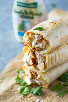 Chicken Ranch Wraps - Healthy grilled chicken and ranch wraps are loaded with chicken, cheese and ranch. These tasty wraps come together in under 15 minutes and make a great lunch or snack! Dinner Sandwiches, Wrap Sandwiches, Healthy Sandwiches, Vegetarian Sandwiches, Panini Sandwiches, Lunch Recipes, Dinner Recipes, Cooking Recipes, Easy Recipes