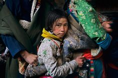 Girl Waiting to Enter Jokhang Temple | TIBET-10559 / Photography by Steve McCurry / Here you can download Steve's FREE PDF Catalog and order PRINTS / stevemccurry.com/...