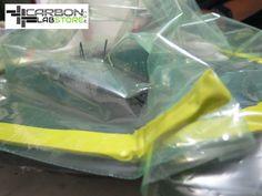 Bolsa de vacío en el molde de bicicleta. Para mayor información, visita: www.carbonlabstore.com