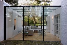 Greenhouse / garden room entirely of glass. With a little aluminum - exterior - Anbau Orangerie Extension, Exterior Design, Interior And Exterior, Glass Extension, Side Extension, Casa Patio, Glass Structure, Glass Room, Glass Cube
