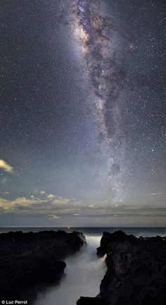 The Milky Way over Reunion Island in the Indian Ocean • photo:  Luc Perrot