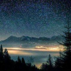"""A te che continuo ad amare....  """" Quando tu guarderai il cielo, la notte, visto che io abiterò in una di esse, visto che io riderò, allora sarà per te come se tutte le stelle ridessero. Tu avrai……tu solo, delle stelle che sanno ridere. (Antoine De Saint-Exupery)"""