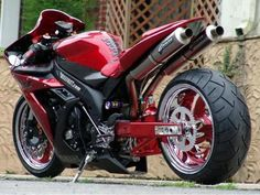 "Bikes e Bikes by Daniel Alho / Yamaha R6 ""Candy Red"""