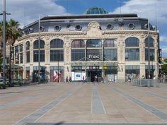 """Perpignan-La FNAC- anciennement """" Dames de France """" Place de Catalogne"""