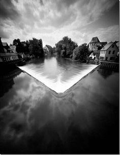Jürgen Lechner es un fotógrafo alemán (nacido en 1962 en Nümberg, vive en Eckental) que realiza fotografía en blanco y negro con cámara este...