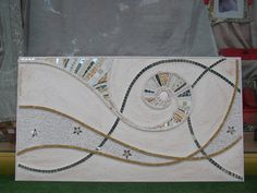 .Aurora . Pannello d' arredo con mosaico di marmo e vetro policromo. Mosaic Wall, Mosaic Glass, Stained Glass, Z Craft, Craft Items, Arts And Crafts, Diy Crafts, Sissi, Glass Birds