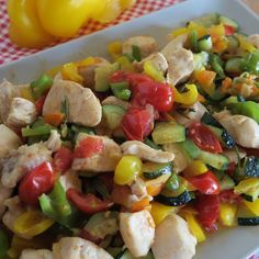 Gourmet Recipes, Cooking Recipes, Healthy Recipes, Cena Light, Easy Dinner Recipes, Easy Meals, Mediterranean Chicken, Chocolate Covered Strawberries, Everyday Food