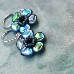 "http://gianelle.beadforum.cz - ""Sorry, I'm a Lady"" rose petals earrings"