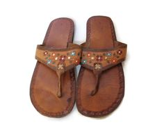 f0801a5a28 Mexican Leather Sandals / Floral Leather Flip Flops / Tooled Leather / 70s  Hippie Sandals / Boho Sandal / Size 12 13 14 / Unisex Mens Womens