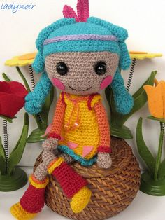 Little Feather crochet by ladynoir63, via Flickr