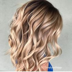 Hair Color Trends 2018 – Highlights : Butterscotch Blonde Hair Color Trends 2018 – Highlights Butterscotch Blonde Discovred by : Brooke Albers Balayage Hair, Ombre Hair, Bayalage, Haircolor, Brown Balayage, Brown Blonde Hair, Blonde Hair For Fall, Caramel Blonde Hair, Cool Hair Color