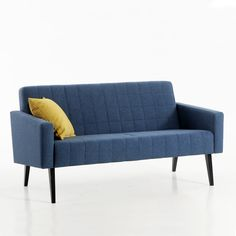 Retrohenkisen sohvan etsijälle! Malli: Trip  Verhoilu: Kangas, Shetland Vaihtoehdot: 2-istuttava sohva, lepotuoli Jälleenmyyjä: Sotka-myymälät  #pohjanmaan #pohjanmaankaluste #käsintehty