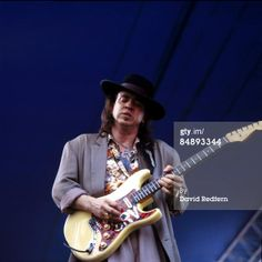 stevie ray vaughan playing fender stratocaster   Sports Entertainment News Archival photos Editorial collections