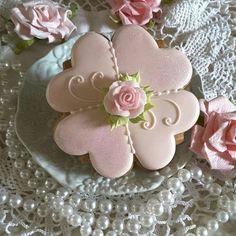Gingerbread keepsake cookies, mother's day, spring, flower, hearts, birthday, wedding cookies