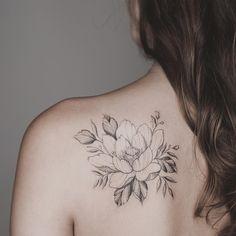 47 Ideas Tattoo Lotus Flower Shoulder Henna For 2019 Tattoo Outline Drawing, Flower Tattoo Drawings, Flower Tattoo Back, Flower Tattoo Shoulder, Flower Tattoo Designs, Flower Tattoos, Henna Designs, Lotus Tattoo Design, Vine Tattoos