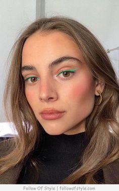 blue eyeliner looks . blue eyeliner how to wear Makeup Trends, Makeup Hacks, Makeup Tips, Eye Makeup, Hair Makeup, Makeup Ideas, Makeup Inspo, Makeup Geek, Flawless Makeup